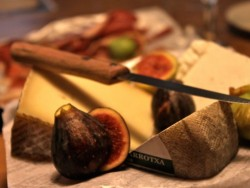 photo of cheese, figs & jamón