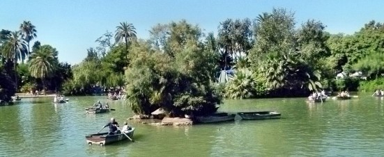photo of the lake at Parc de la Ciutadella