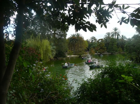 photo of the boating lake at Parc de la Ciutadella