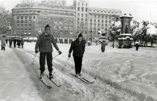 Snow in Barcelona (1962)